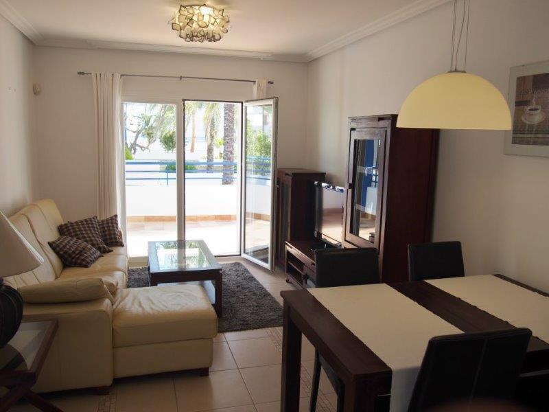 Te koop 2 slaapkamer appartement met zeezicht in Mojacar