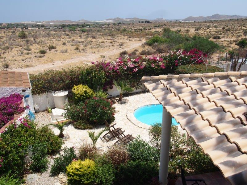 Te koop in Cuevas Del Almanzora, villa met zwembad zeezicht