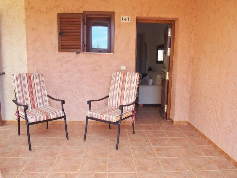 Te koop 2 slaapkamer appartement met groot terras te Vera Playa