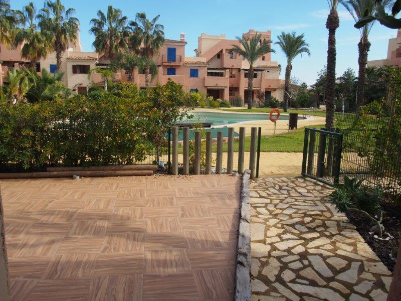 Gelijkvloers appartement met 2 slaapkamers te koop in Vera Playa