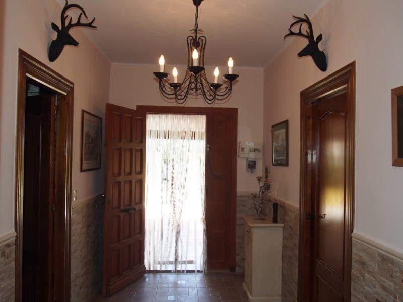 Ruim landhuis cortijo in La Cinta te koop