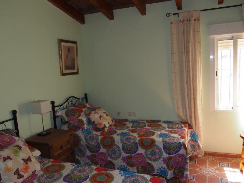 Ruim landhuis in La Cinta te koop