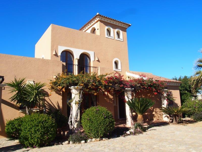 Villa te koop Vera Playa, 4 slaapkamers front