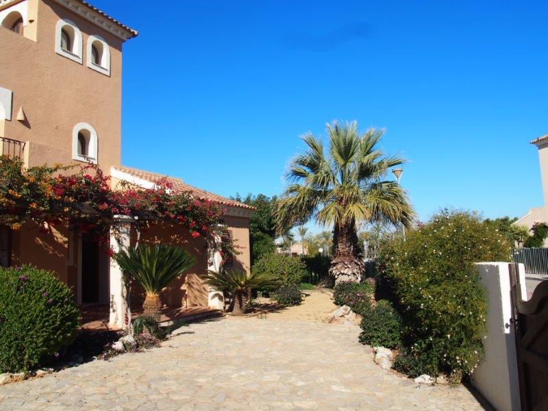 Villa te koop Vera Playa, oprit