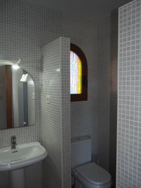 Villa te koop Vera Playa, badkamer lavabo