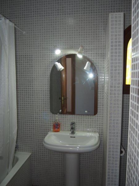 Villa te koop Vera Playa, badkamer beneden