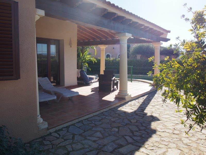 Villa te koop Vera Playa - oprit tuin